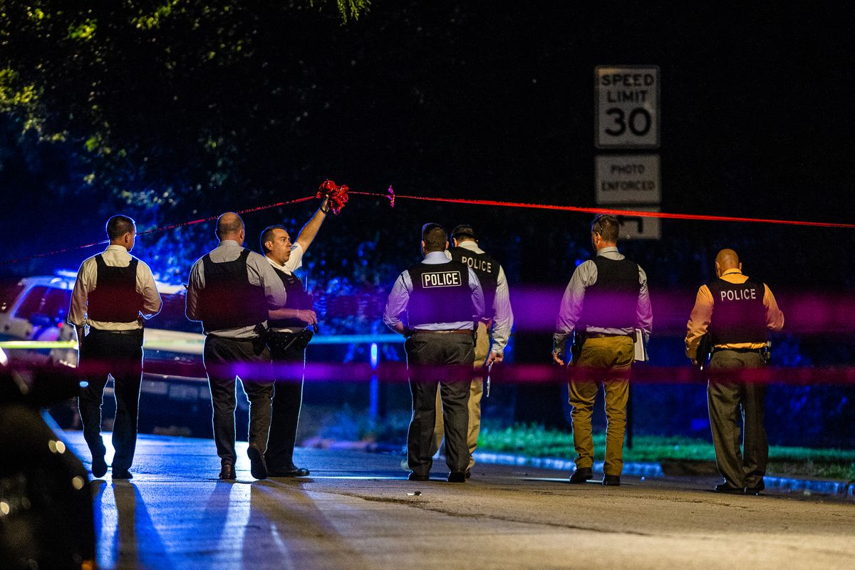 8 killed and 40 hurt across Chicago in weekend shootings