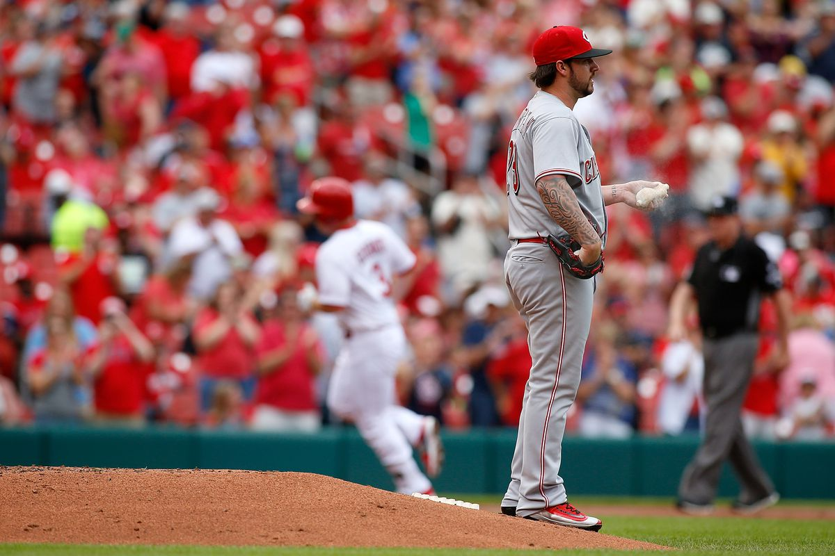 Cardinals pound Reds 8-2 after Brandon Finnegan exits with