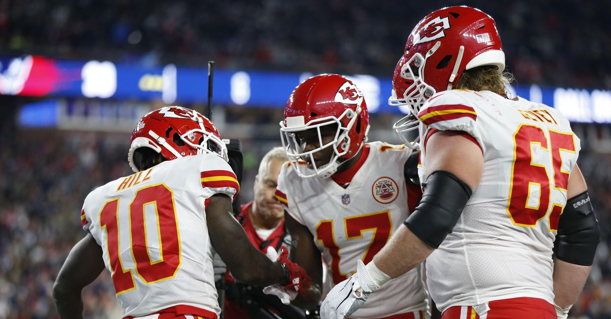 The Arrowhead Pride staff weighs in on Chiefs-Patriots...