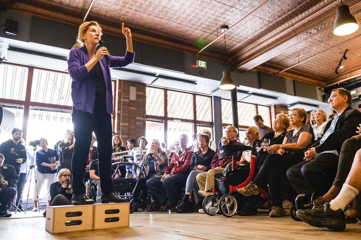 Democratic presidential candidate Sen. Elizabeth Warren (D-MA) speaks to a crowd during a campaign stop in Mason City, Iowa, on May 4, 2019.