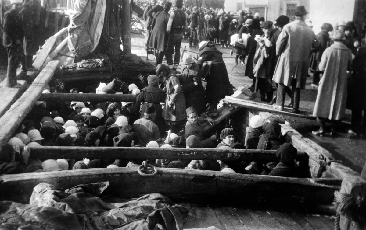 Armenians being deported 1915