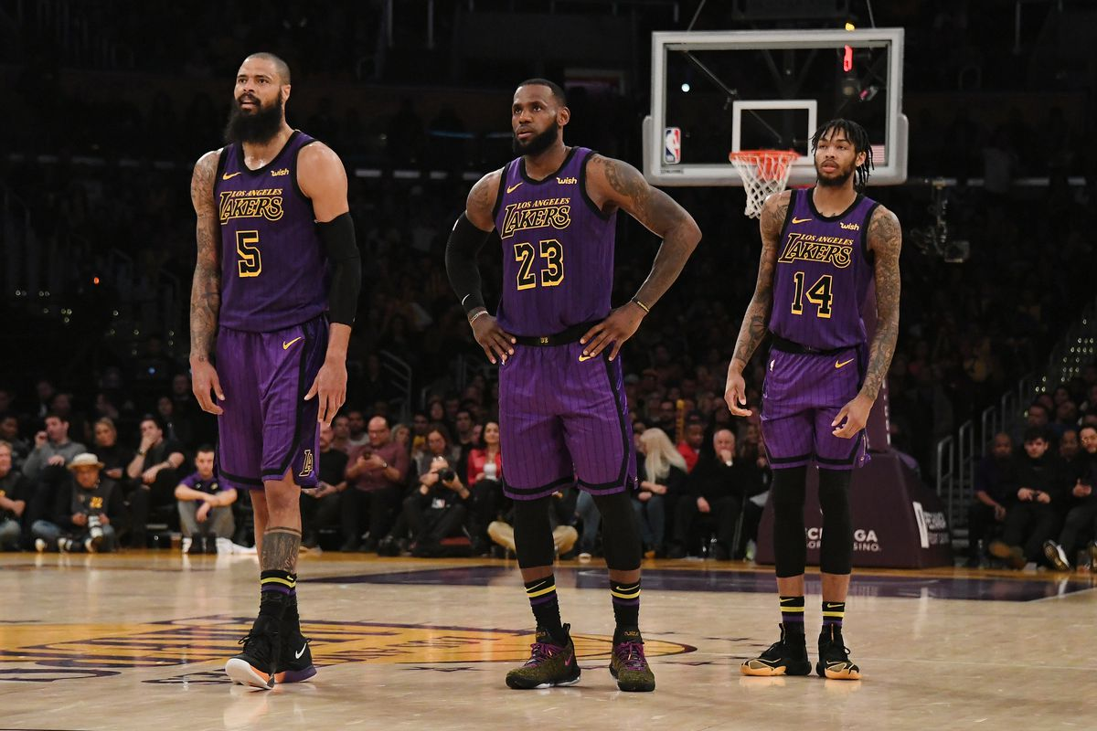 LeBron James says it's 'unfair' to expect so much from young Lakers