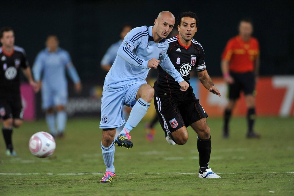 Aurelien Collin sporting the hot pink shoe laces! (Photo by Larry French/Getty Images)