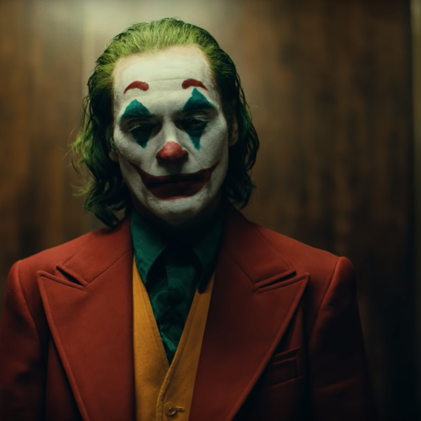 Watch The First Trailer For Joaquin Phoenix S Joker Movie