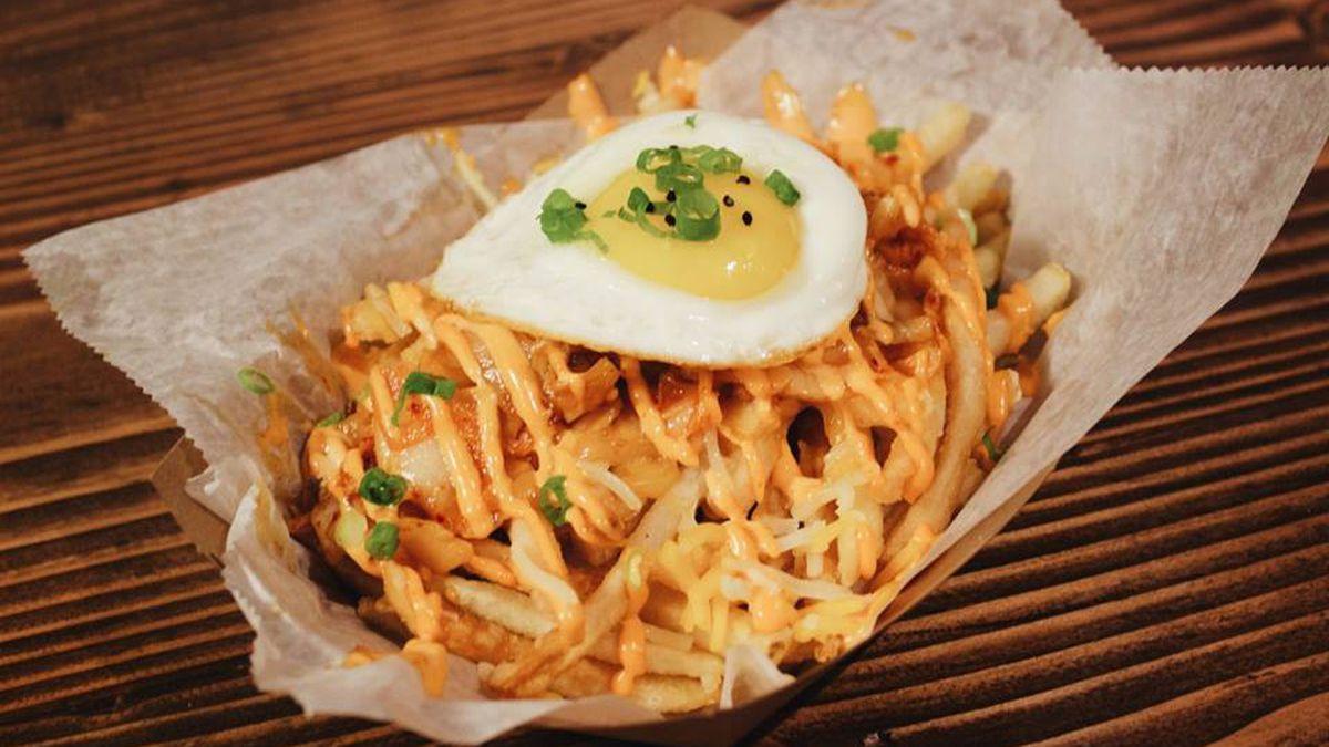 Kimchi fritas at Coreanos