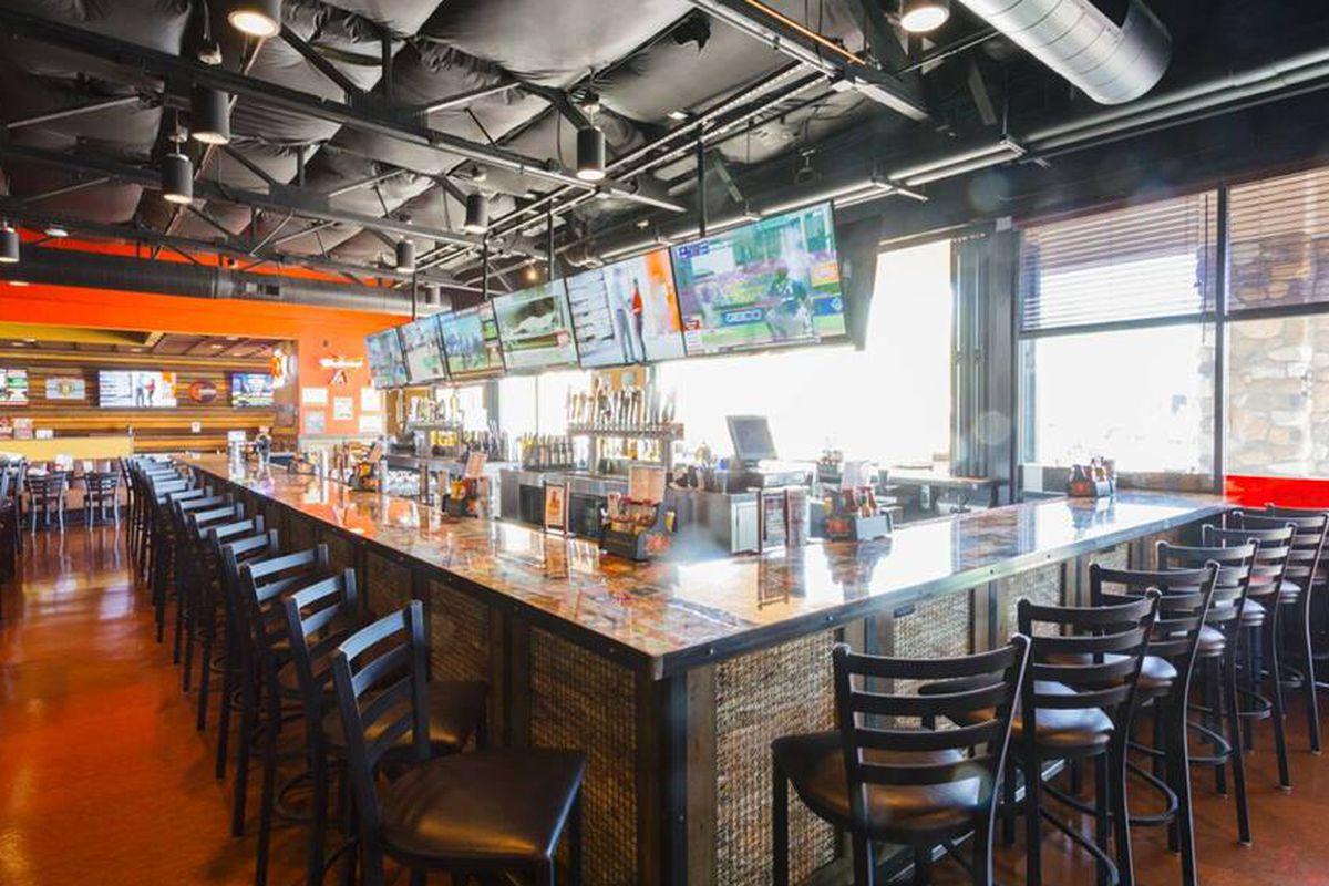 Arizona Based Cold Beers Amp Cheeseburgers Landing In The