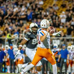 UCF defeats Boise St, 36-31, after an almost 3 hour weather delay