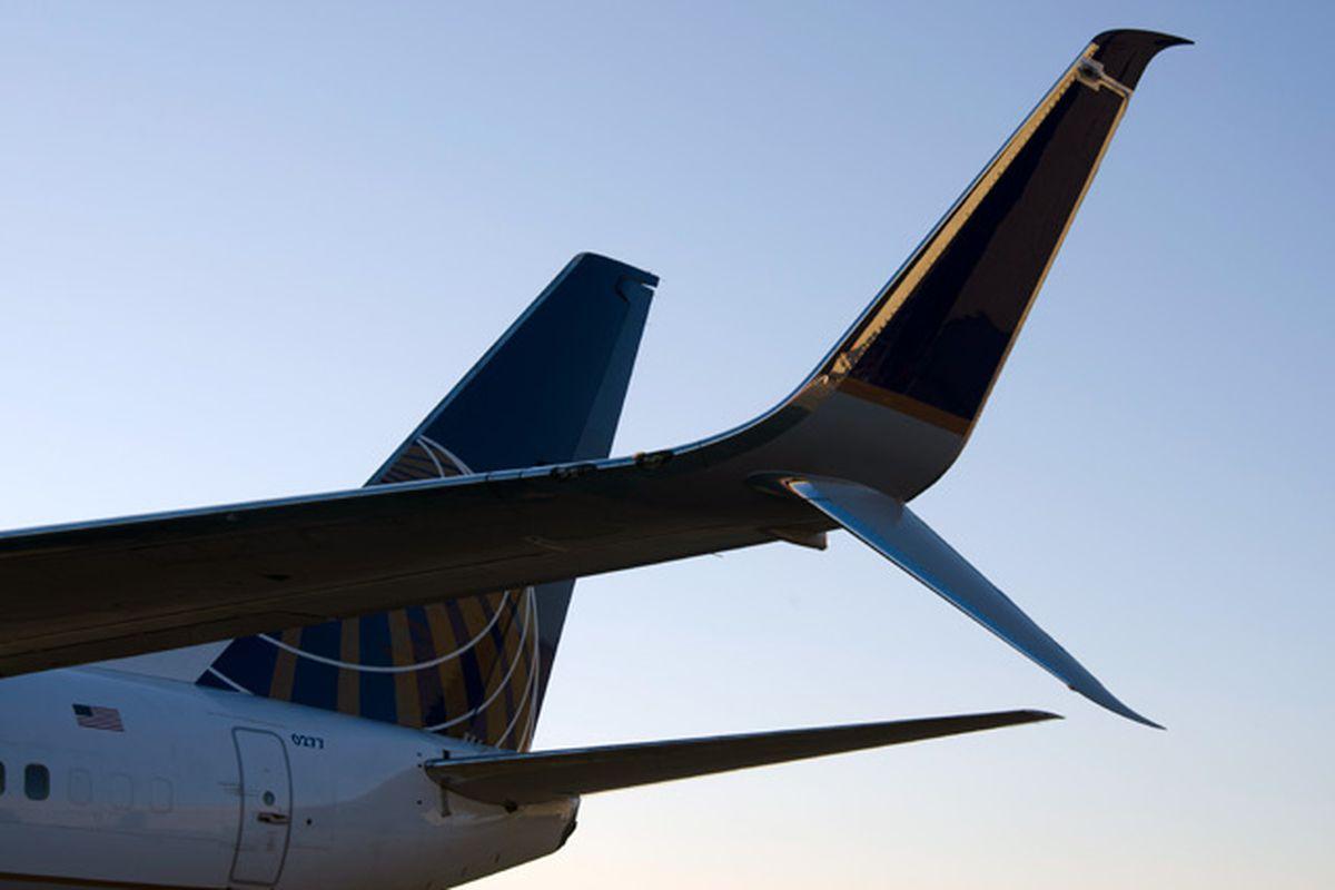 United Airlines scimitar winglet