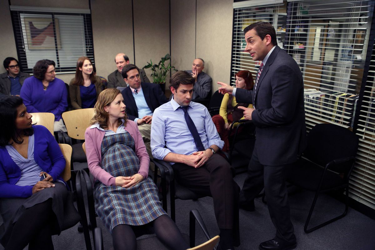 Mindy Kaling And B J Novak Acted Like Ryan And Kelly From The Office At The Oscars Deseret News