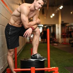 """<a href=""""http://ny.racked.com/archives/2013/08/16/hottest_trainer_contestant_22_andrew_speer.php""""><b>Andrew Speer</b>. Photo by <a href=""""http://rebeccadalephotography.com/"""">Rebecca Dale</a>"""