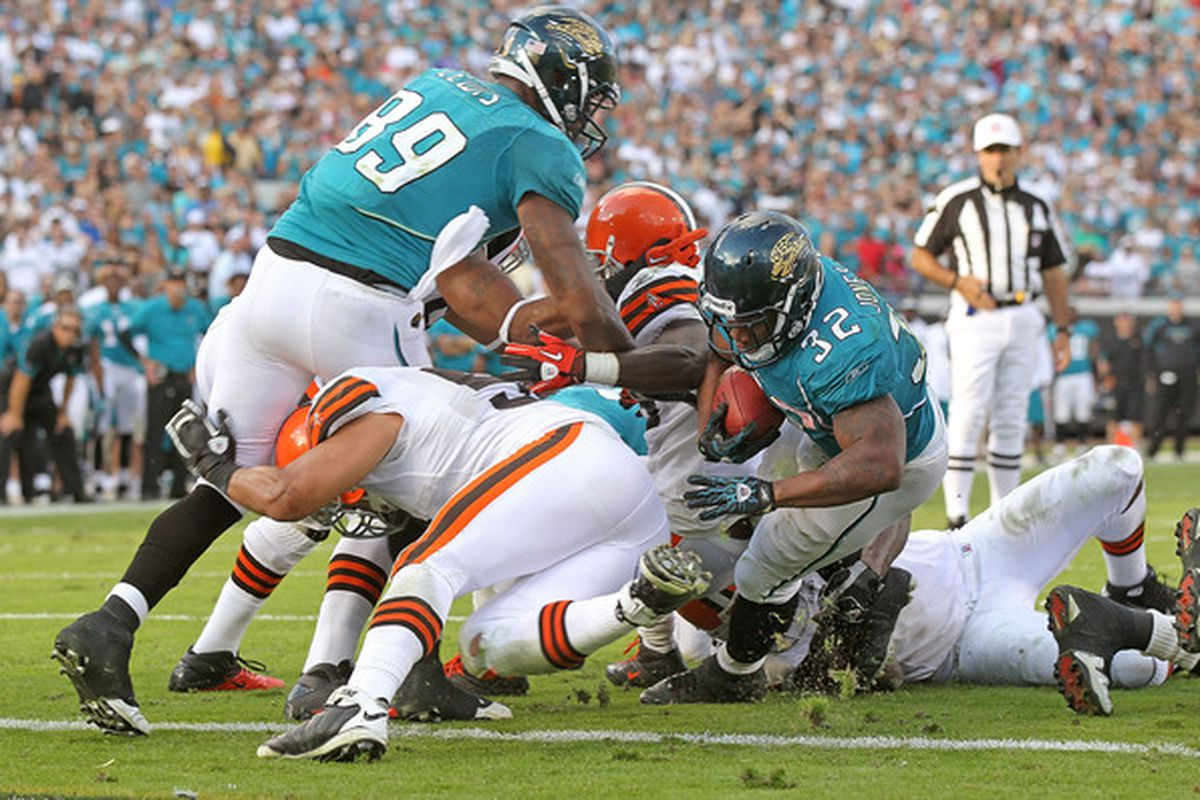 Maurice Jones-Drew pounds in the game-winning touchdown against the Browns. This is how the Jaguars should be playing games: tough.