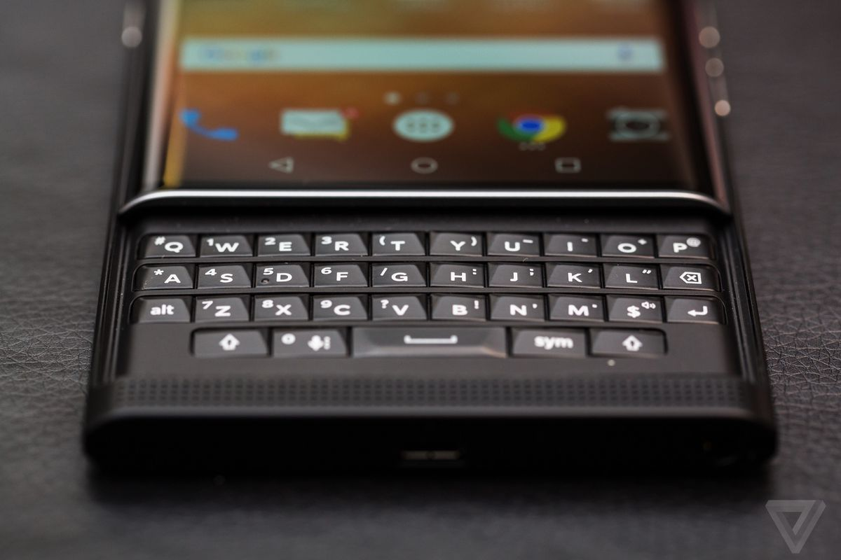 The Blackberry Priv is getting Marshmallow and a sweet swipe