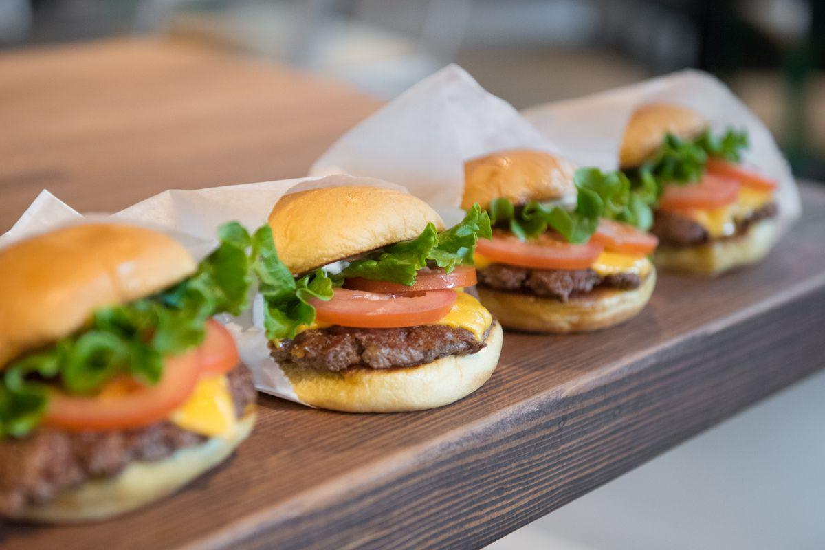 Shake Shack S First Seattle Restaurant Opens Saay October 6 Morgen Schuler For Eater