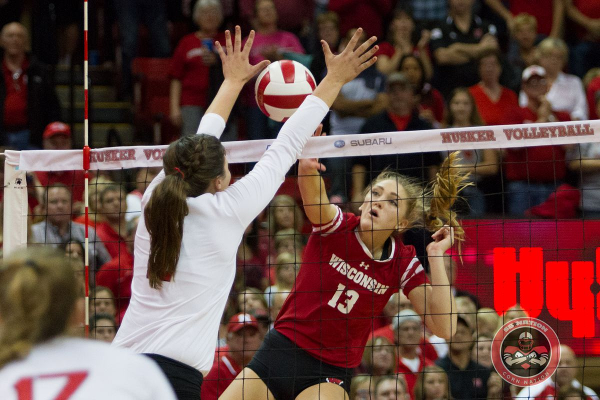 Gallery: Husker Volleyball Conquers Weekend Challenges