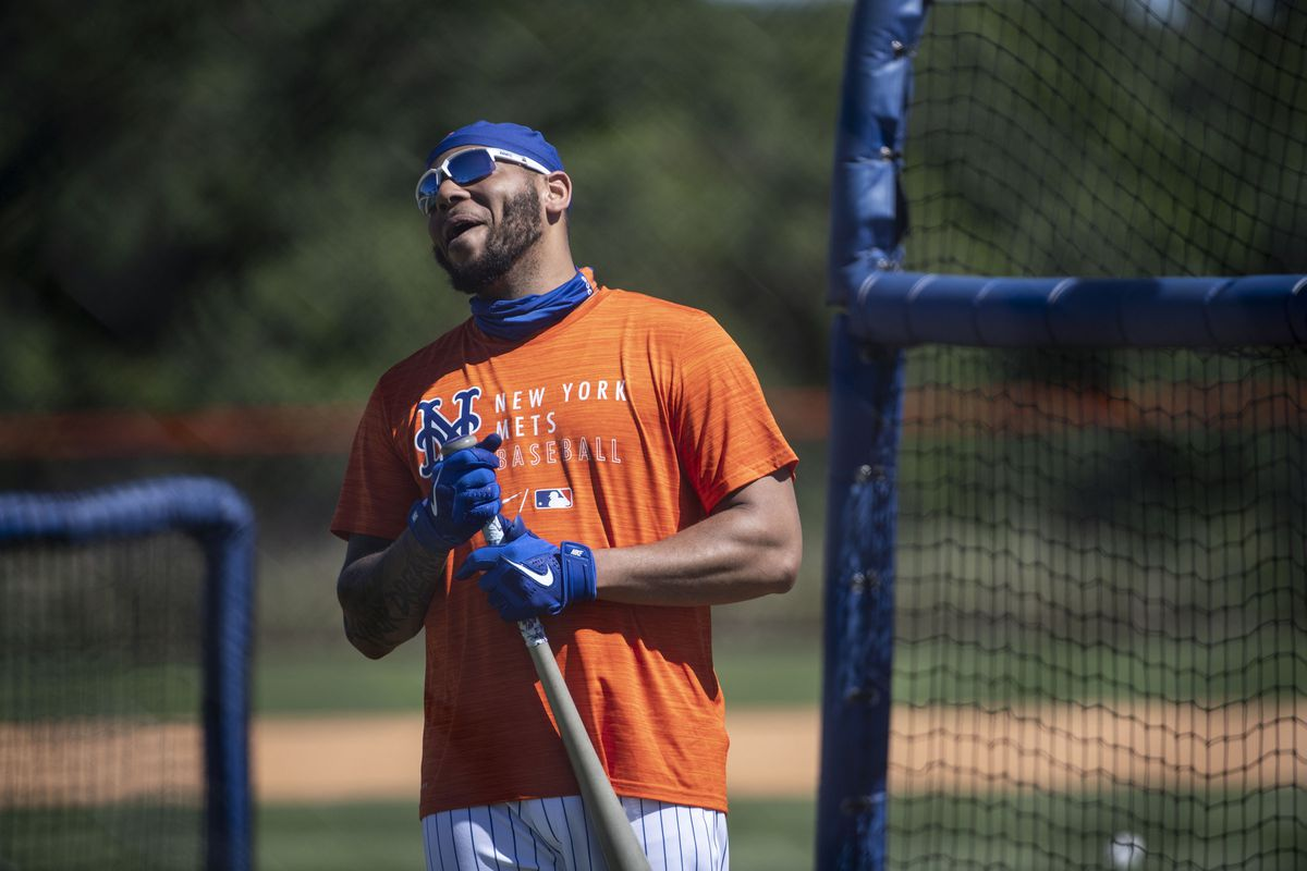 New York Mets' Dominic Smith at batting practice during spring training workout in Port St. Lucie, Fla.