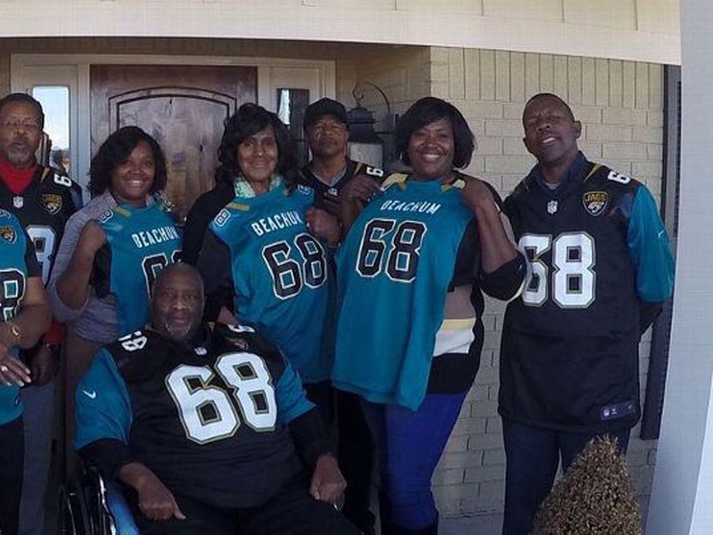 superior quality 25f66 94b87 Jacksonville Jaguars Daily: Kelvin Beachum helps parents on ...