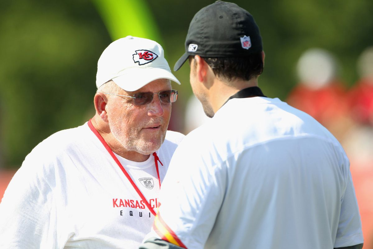 SAINT JOSEPH, MO - JULY 31:  Offensive Coordinator Bill Muir talks with head coach Todd Haley during Kansas City Chiefs Training Camp on July 31, 2011 in Saint Joseph, Missouri.  (Photo by Jamie Squire/Getty Images)