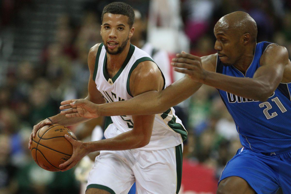 NBA: Preseason-Dallas Mavericks at Milwaukee Bucks