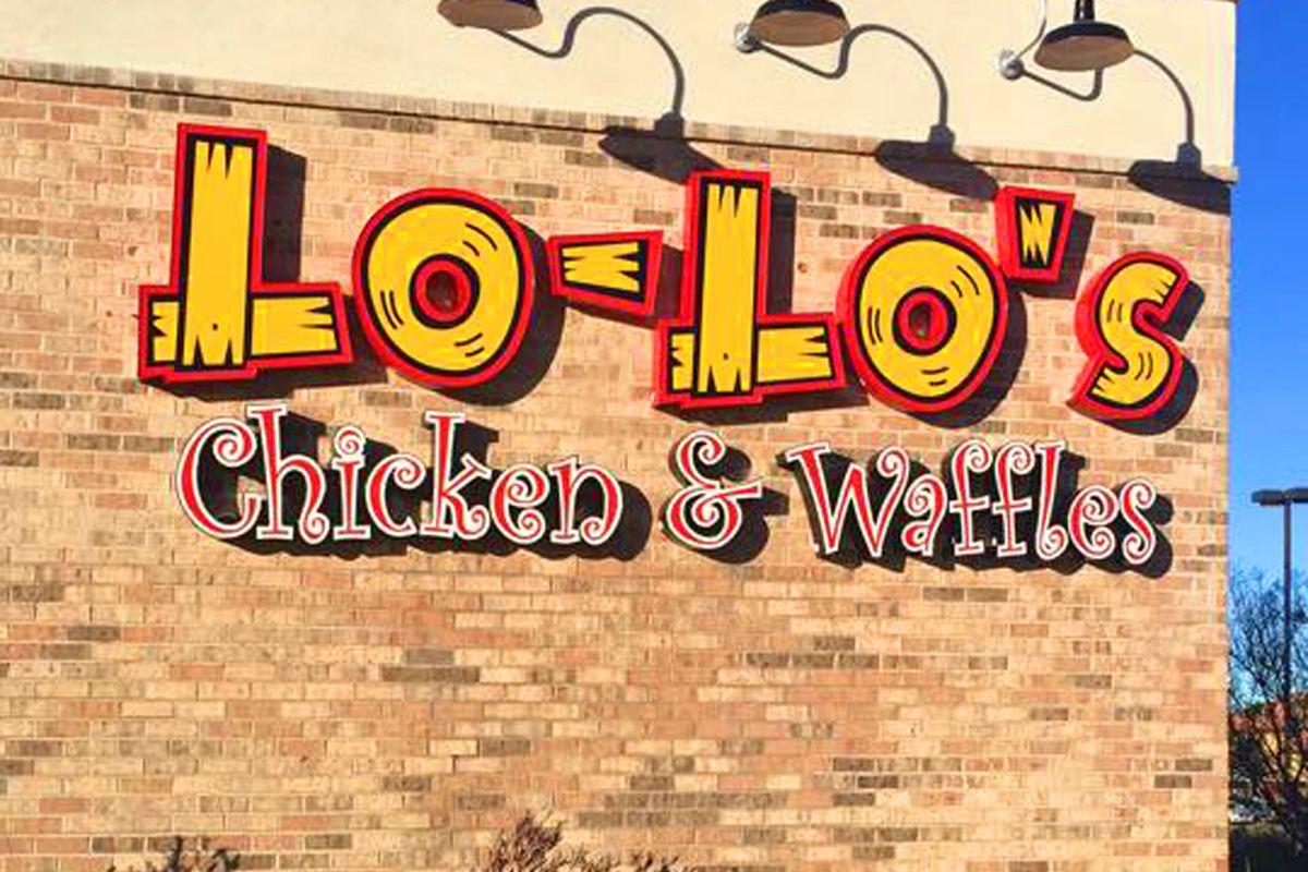 Lo-Lo's Chicken & Waffles