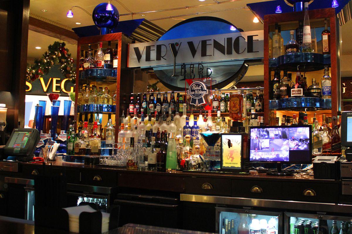 Very Venice Bar
