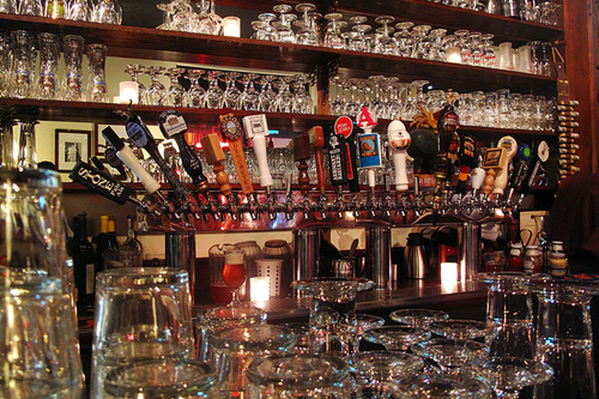 The taps at the Monk's Kettle.