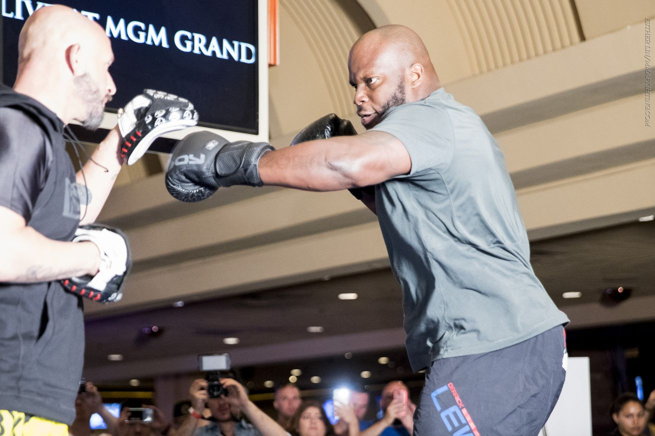 community news, After Mark Hunt bout, Derrick Lewis coming to 'bang Francis Ngannou's ass up'