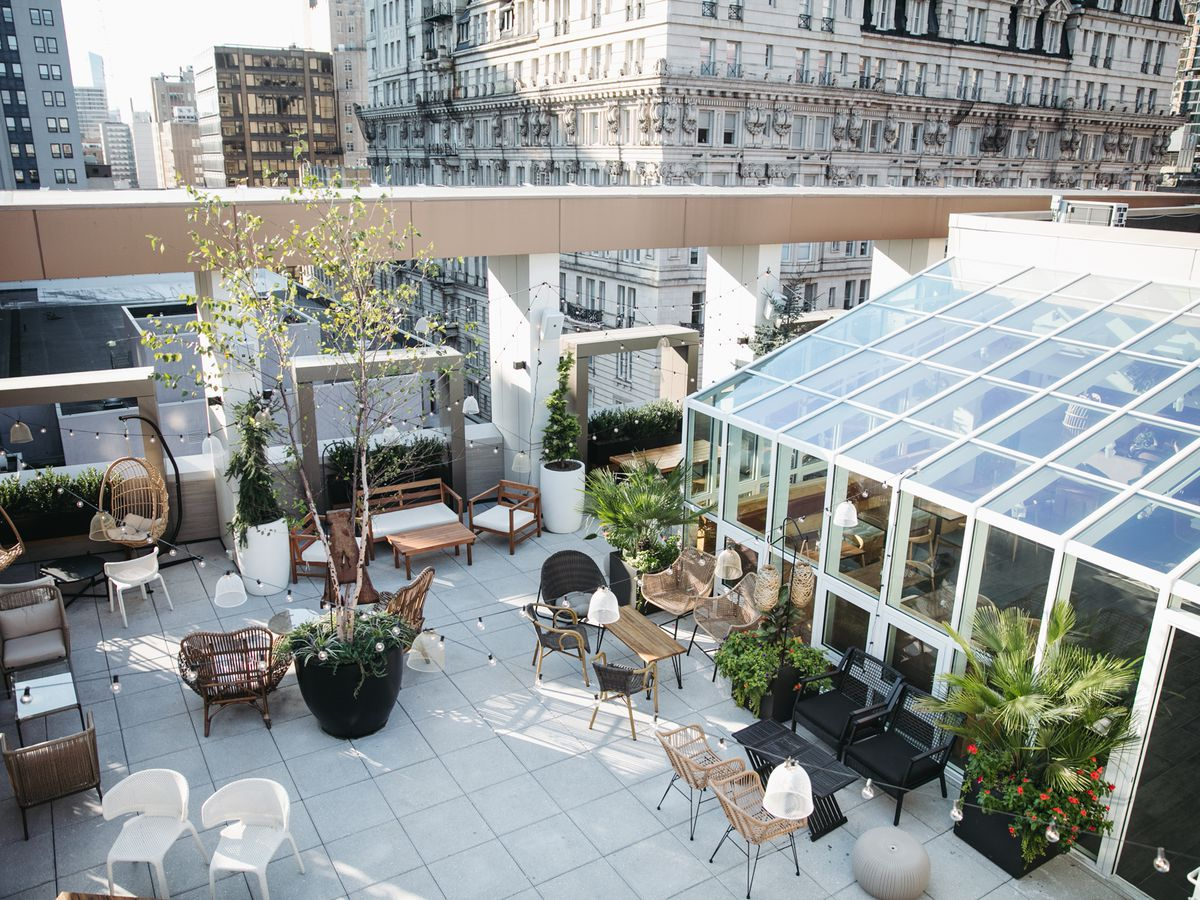 Essential Philly Rooftops and Decks for Outdoor Dining