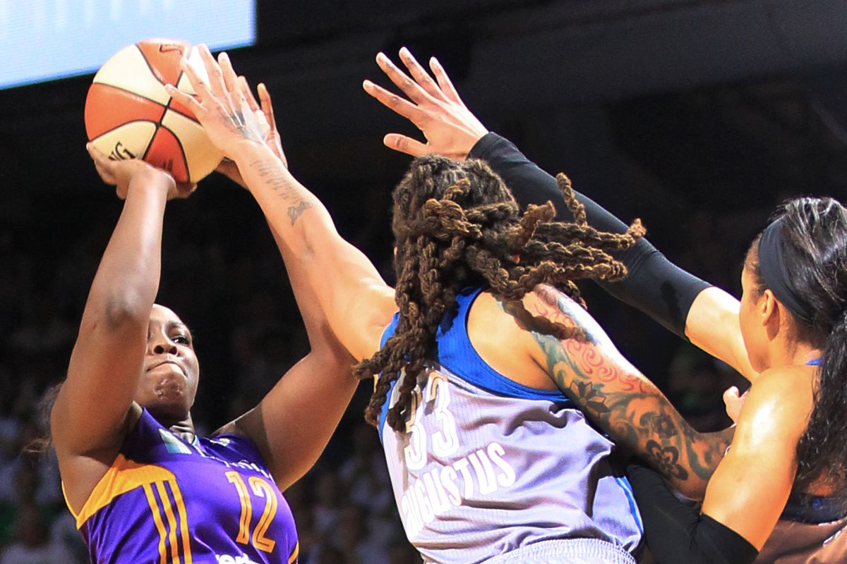 Lynx lose squeaker in game one of finals