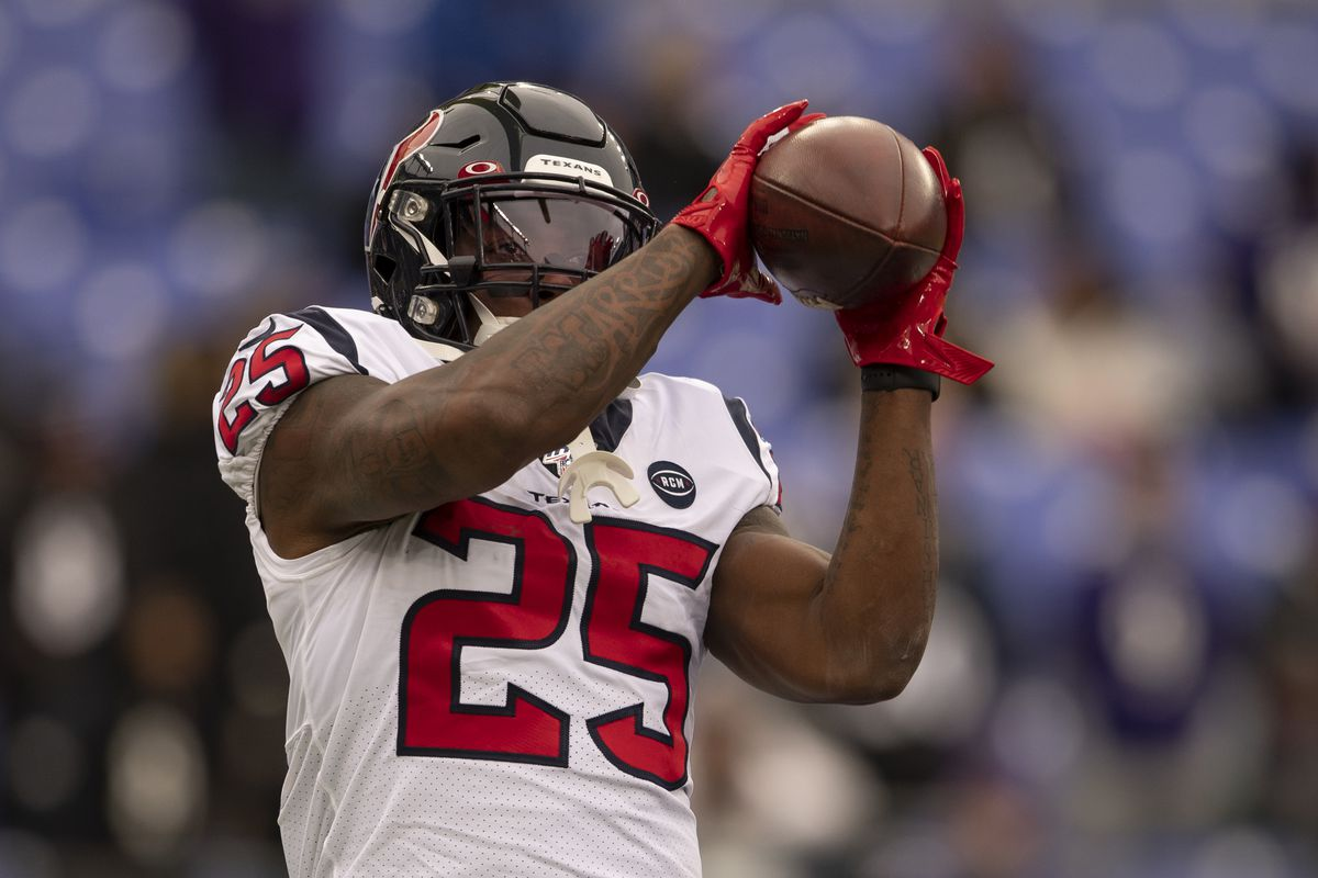 Houston Texans running back Duke Johnson warms up before the game against the Baltimore Ravens at M&T Bank Stadium.