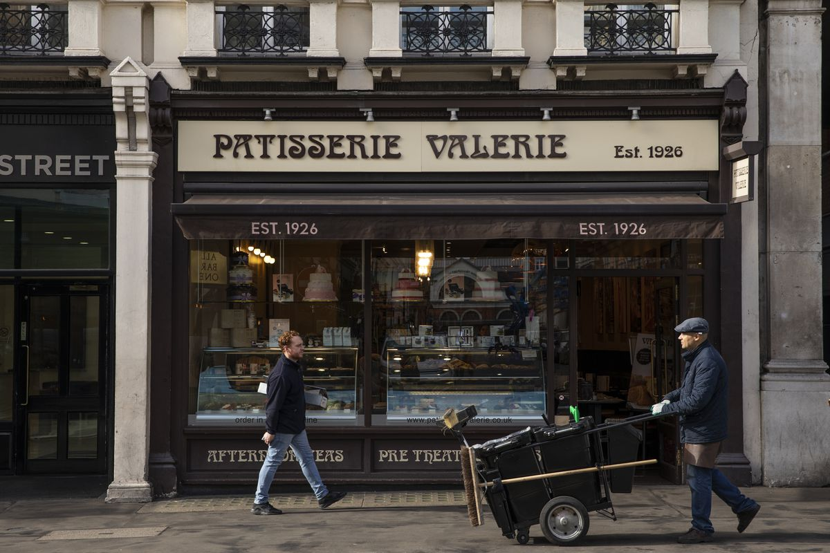 Sports Direct's Mike Ashley backs out of Patisserie Valerie rescue