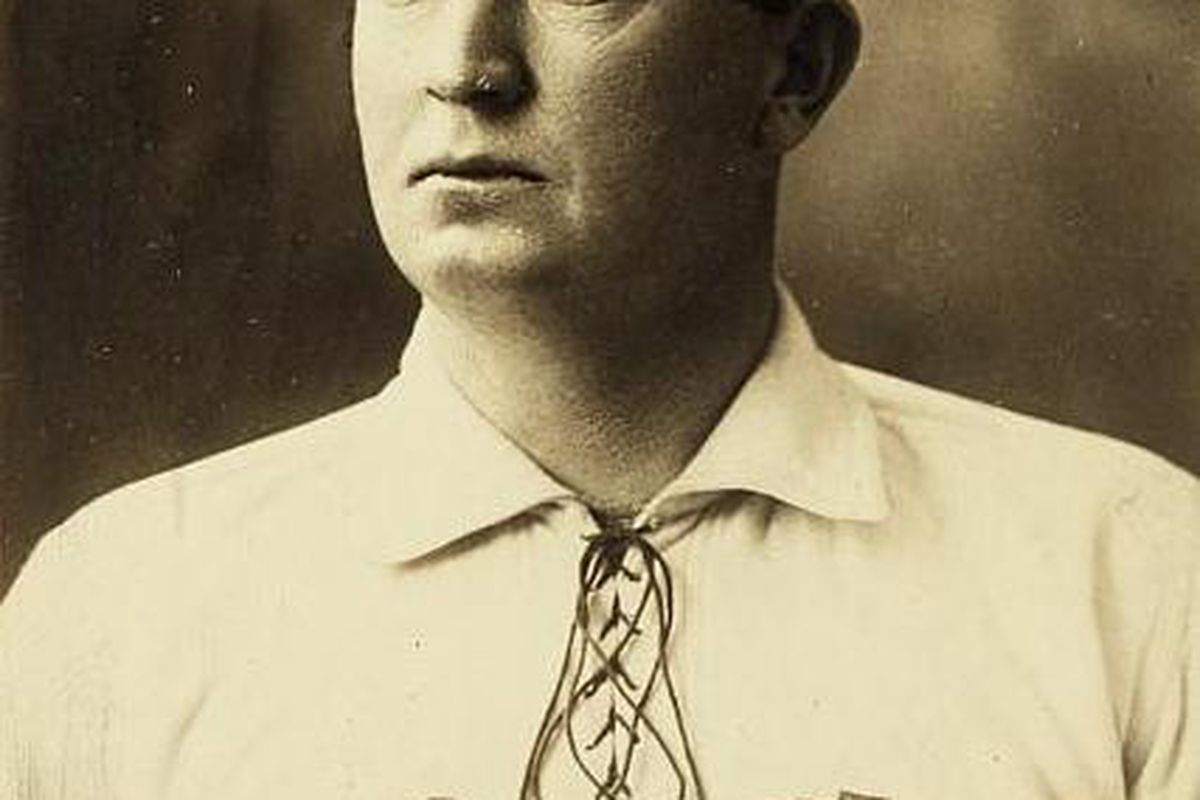 """Cy Young in 1902 via <a href=""""http://upload.wikimedia.org/wikipedia/en/2/28/Cy_Young.jpg"""">upload.wikimedia.org</a>"""