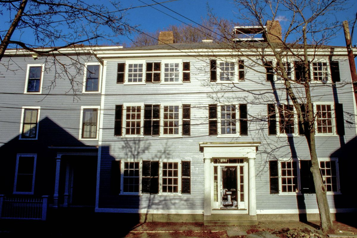 Salem house exterior shot