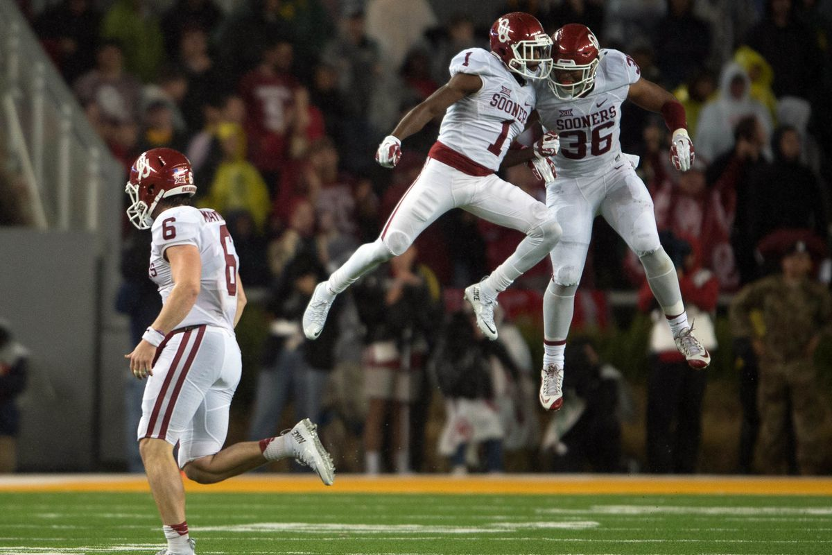 Oklahoma knocked off undefeated Baylor and vaulted into the thick of the playoff race.