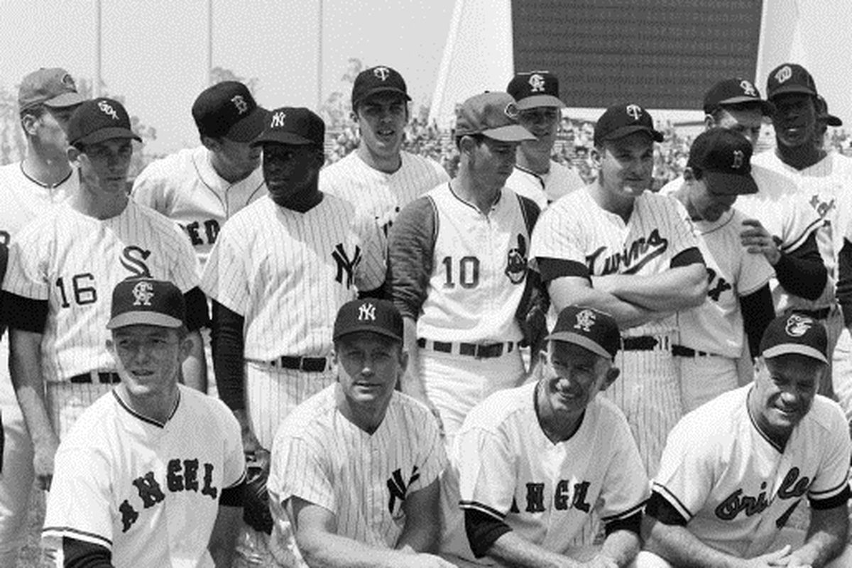1967 AL All-Star team. Chicago White Sox, Ken Berry, is second row to left.