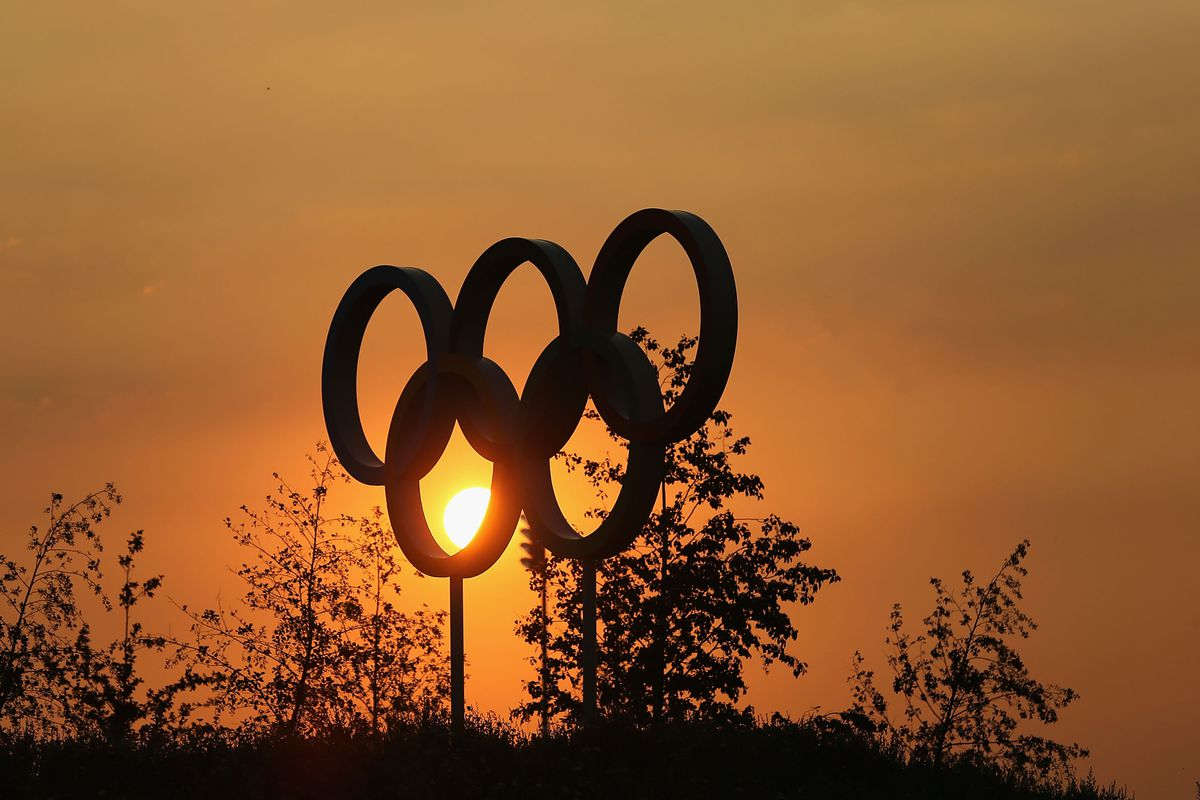 LONDON, ENGLAND - JULY 25:  General view Olympic Ring as the sun sets in the Olympic Park on July 25, 2012 in London, England.  (Photo by Christian Petersen/Getty Images)