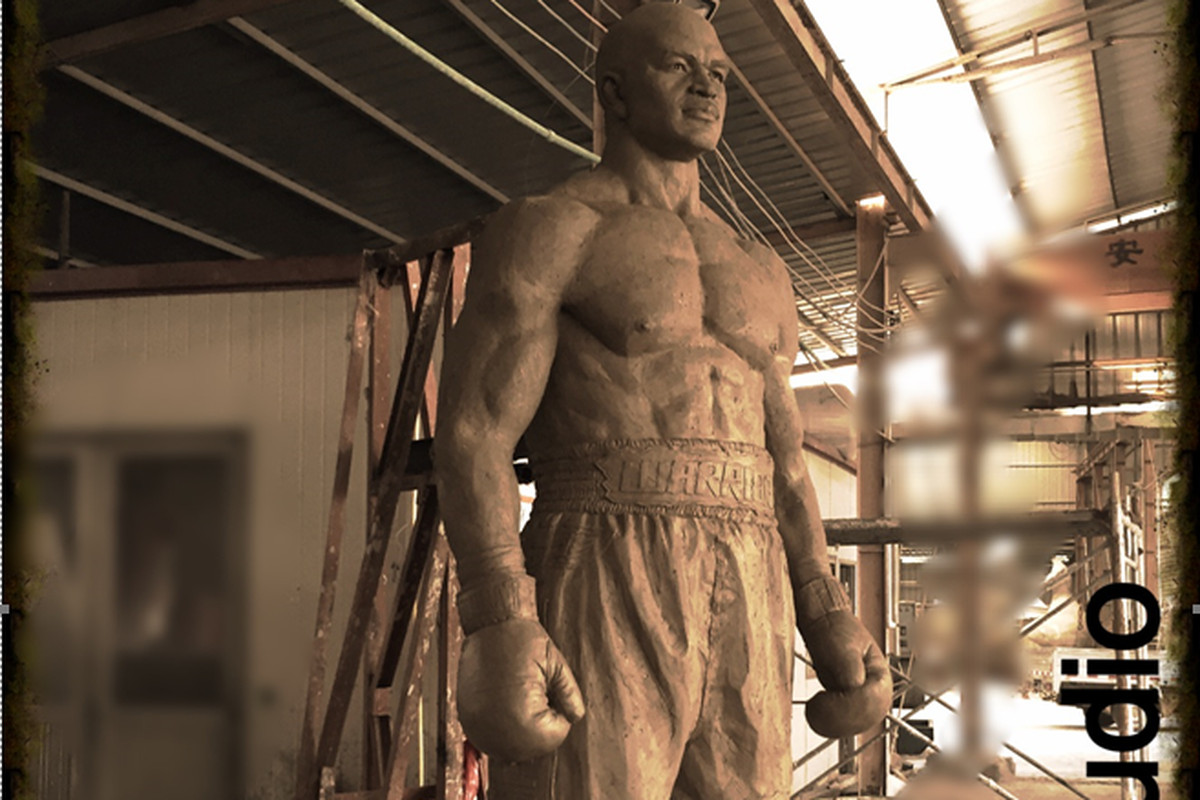 A photo of an Evander Holyfield statue before it was coated in bronze.