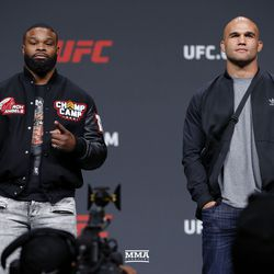 Tyron Woodley and Robbie Lawler pose.