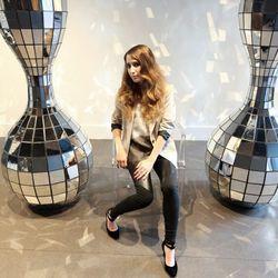 "Amanda Knorr, via <a href=""http://blog.spreedia.com/holiday-boston-shoot-and-local-lovin/"">Spreedia</a>."