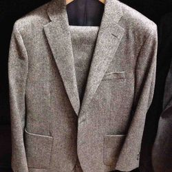 <strong>Freemans Sporting Club</strong> Suits $1,100-$1,300