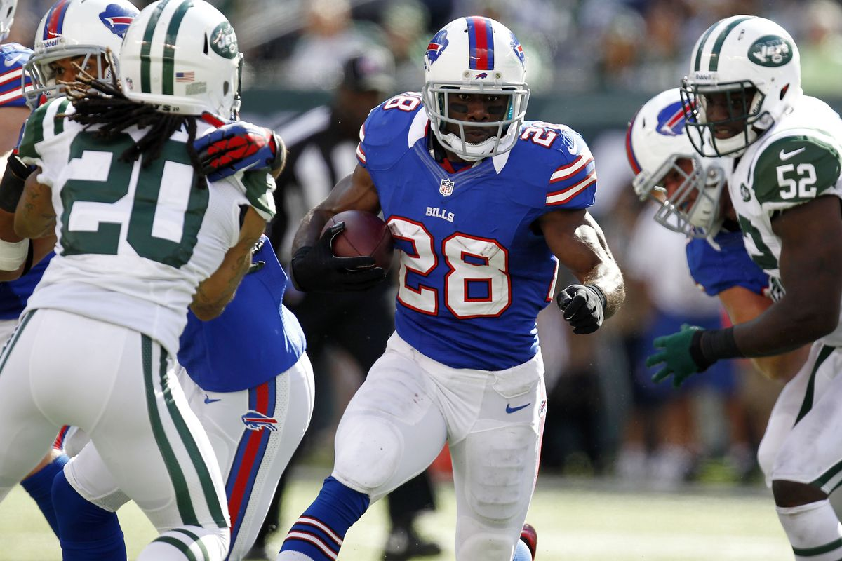 EAST RUTHERFORD, NJ - SEPTEMBER 09:   C.J. Spiller #28 of the Buffalo Bills runs against the New York Jets during their season opener at MetLife Stadium on September 9, 2012 in East Rutherford, New Jersey.  (Photo by Jeff Zelevansky/Getty Images)