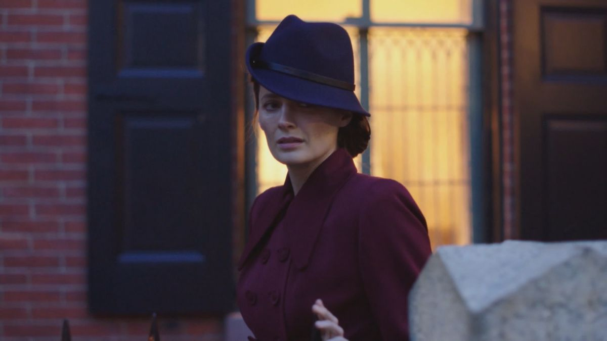 stana katic in a call to spy
