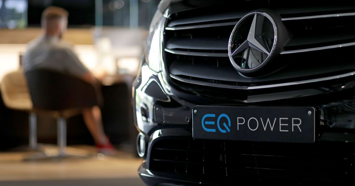 Mercedes-Benz says it will go all-electric in 2030, but with a major caveat