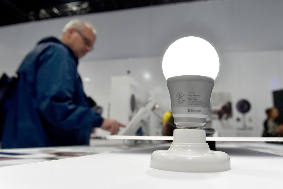 Elizabeth Warren should talk more about lightbulbs - Curbed