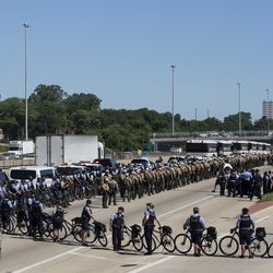 Chicago police and Illinois State Police prepare for the march.   Ashlee Rezin/Sun-Times