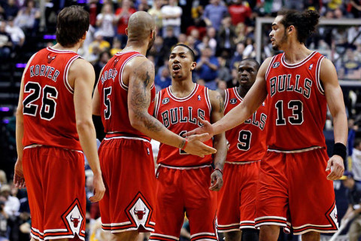 """via <a href=""""http://graphics8.nytimes.com/images/2011/12/25/sports/dog-nba-1/dog-nba-1-blog480.jpg"""">graphics8.nytimes.com</a>"""