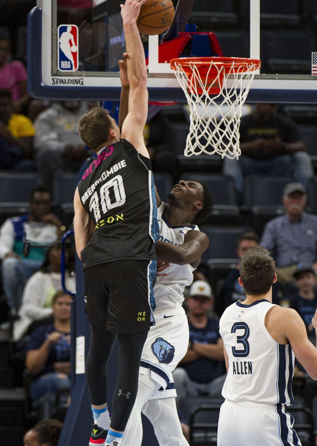 NBA: Preseason-New Zealand Breakers at Memphis Grizzlies