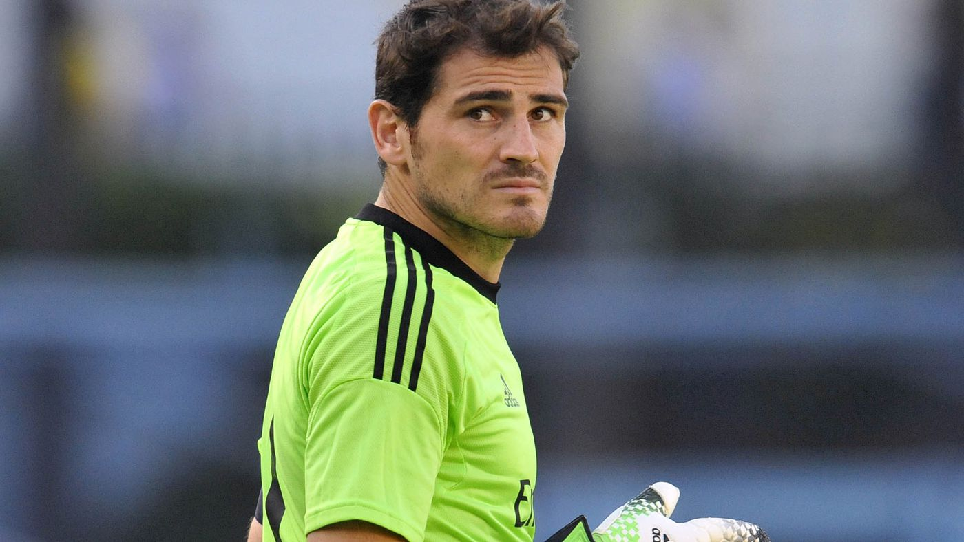 Fc Barcelona Could Try To Sign Iker Casillas Managing Madrid