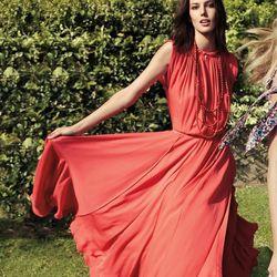 """<a href=""""http://www.toryburch.com/The-Goddess-Gown-Bold/goddessgownbold,default,pd.html?start=18&cgid=newarrivals-lookbook"""">Vianna dress</a>"""