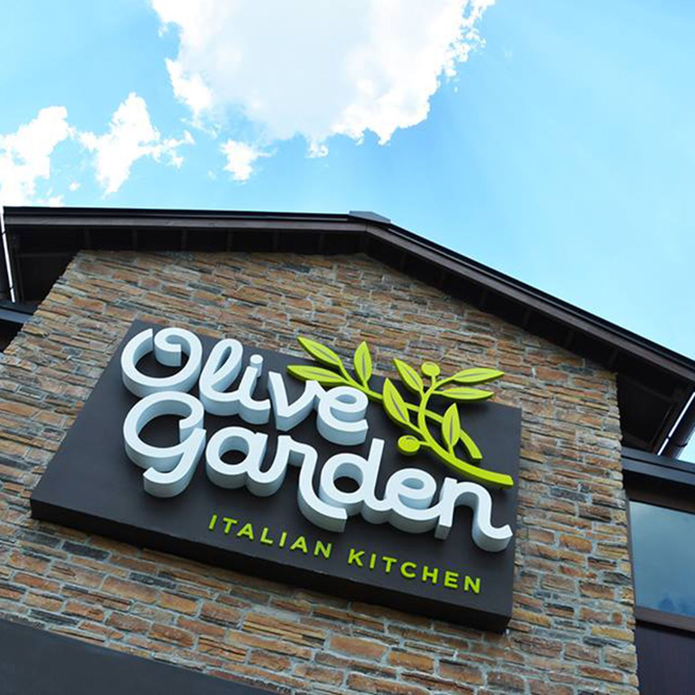 Olive Garden Boycotted Over Trump Donations The Company Didn T