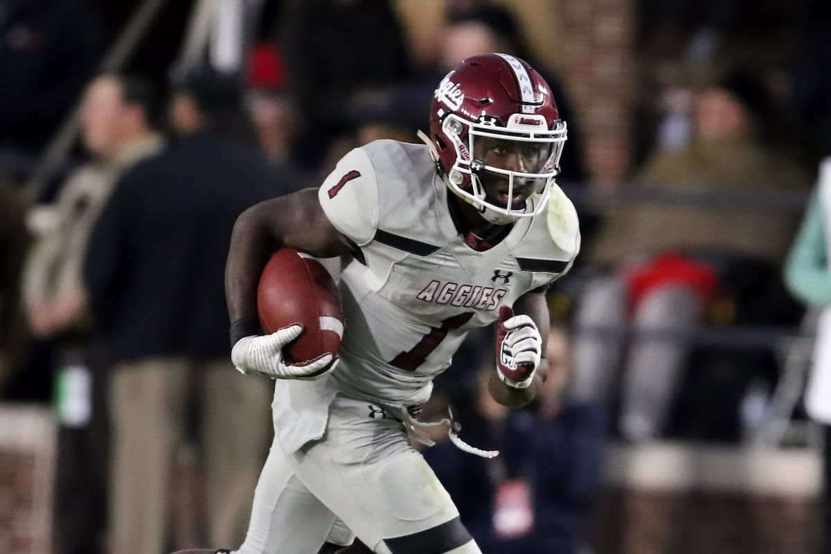 New Mexico State Aggies running back Jason Huntley carries the ball in the game between the New Mexico State Aggies and the Ole Miss Rebels on November 9, 2019 at Vaught-Hemingway Stadium in Oxford, Mississippi.